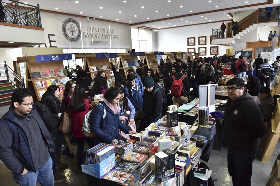 Feria_Libro_USS_Valdivia