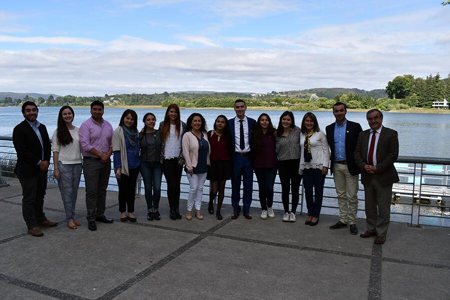 Estudiantes de intercambio provenientes de Colombia y México participaron un desayuno de despedida.