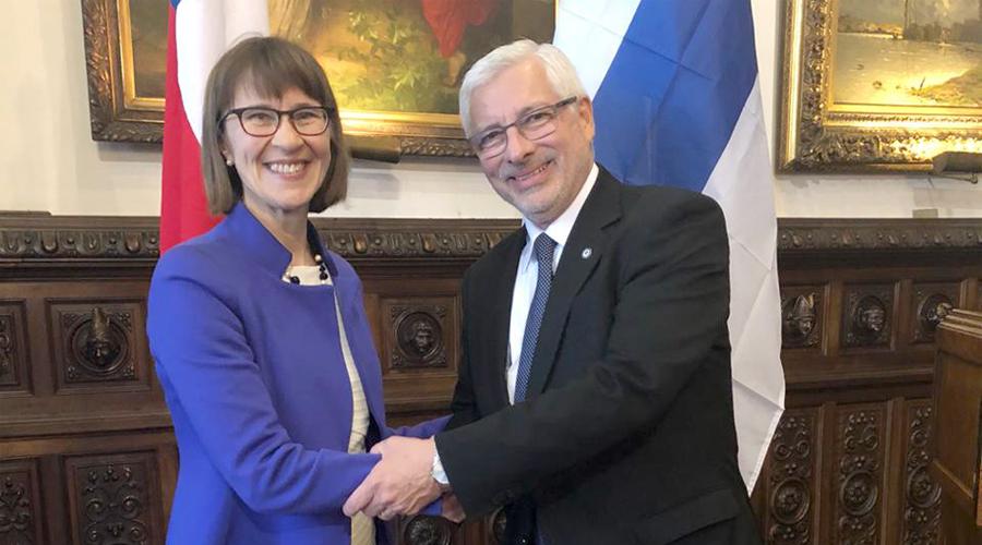 Vicerrector-Fernando-Quiroga-se-reunio-con-embajadora-de-Finlandia-1