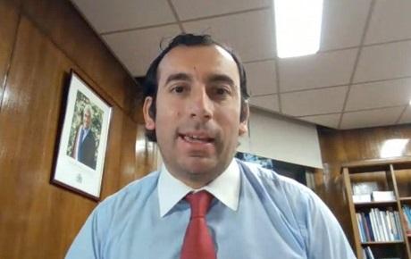 Subsecretario Trabajo charla egresados