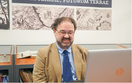 Dictan charla sobre el valor de archivos históricos regionales
