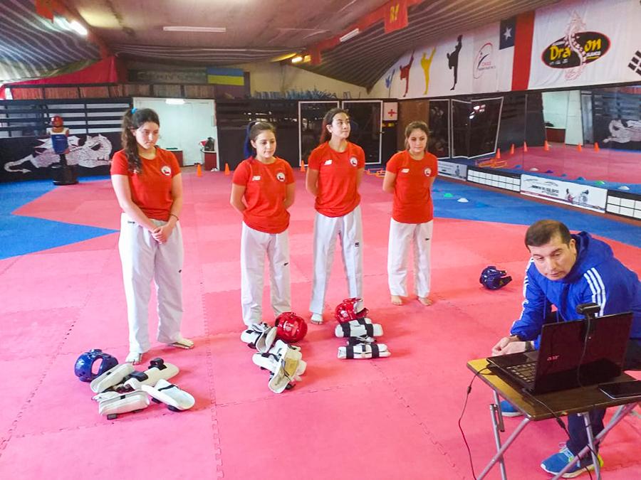 Las deportistas se encuentran realizando entrenamientos junto a sus nuevas compañeras a través de la modalidad online.