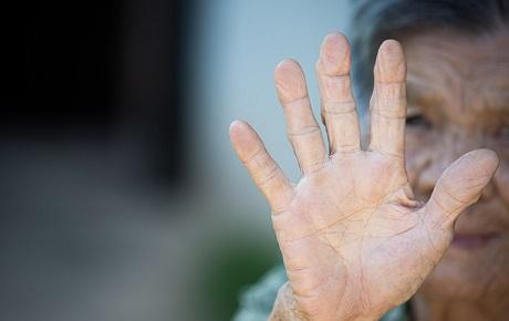 Opinión: Violencia contra las personas mayores