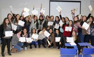 """Los alumnos del Magíster celebran la """"primera etapa superada""""."""