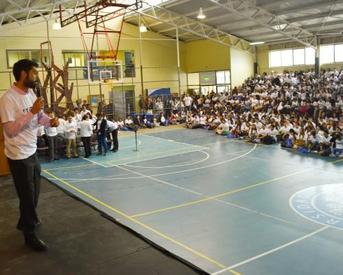 En el Gimnasio de la Sede De la Patagonia se reunieron los mil sebastianos que iniciaron su vida universitaria en la U. San Sebastián.