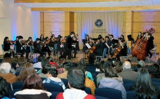 Un atractivo repertorio pensado para todo público presentó la Orquesta de la USS Concepción.