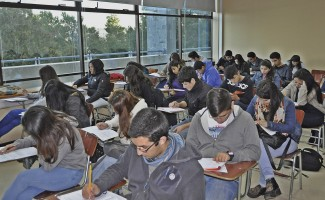 517 alumnos de panteles de enseñanza media del Gran Concepción participaron de la primera jornada del preuniversitario gratuito de la USS.