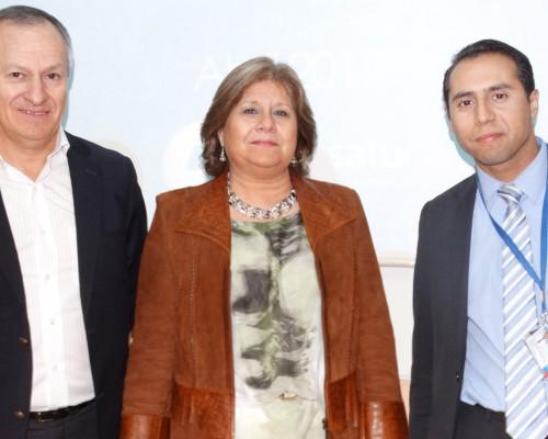 Los expositores: Fernando Gaete (Consalud), María Yolanda Silva (AFP Provida) y Cristian Gómez (FONASA).