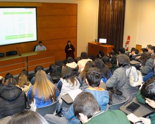 La actividad tuvo lugar en el Auditorio Los Robles del Campus Las Tres Pascualas.