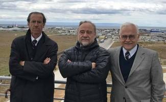 Carlos Williamson, rector de la Universidad San Sebastián; Dr. Nibaldo Inestrosa, director del Centro de Excelencia en Biomedicina de Magallanes; y Dr. Carlos Vio, asesor rectoría USS.