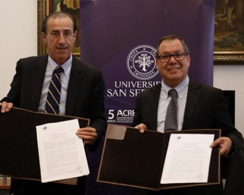 Carlos Williamson, rector USS; y Luis Felipe Delpin, presidente ACHM.
