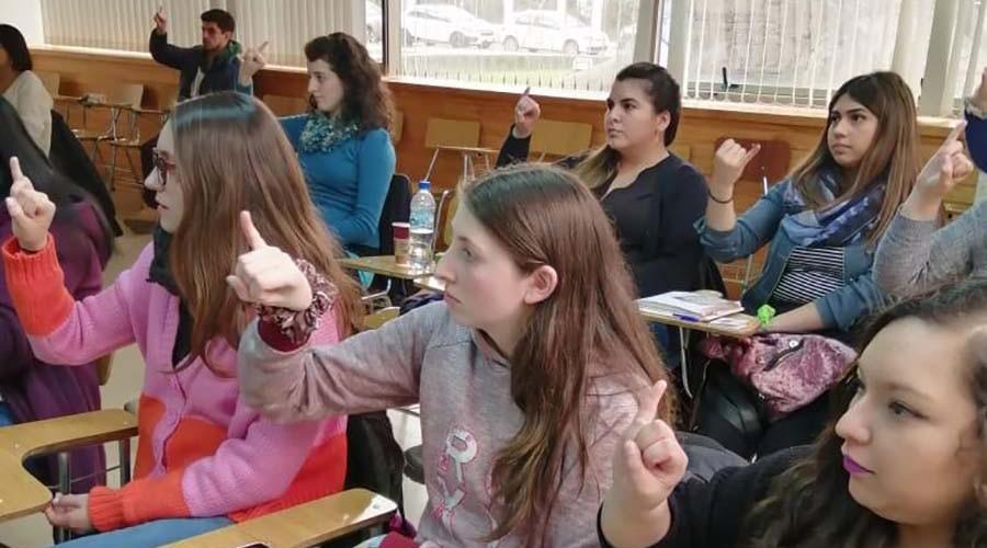 Líderes Inclusivos USS aprenden Lenguaje de Señas