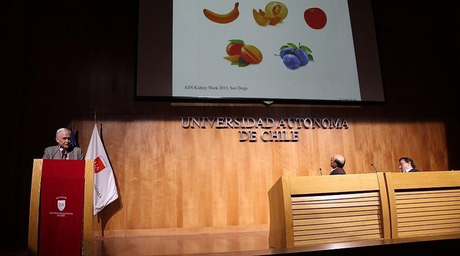 El vicerrector de Investigación y Doctorados de la Universidad San Sebastián, Carlos Vio, expuso en el V Congreso Chileno de Hipertensión Arterial