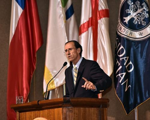 """Rector USS, Carlos Williamson, expuso sobre """"Los desafíos de la Universidad en el siglo XXI"""""""