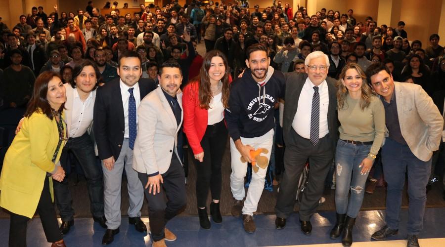 Conferencia El Poder de las Ideas dictó Dr. Javier Santaolalla