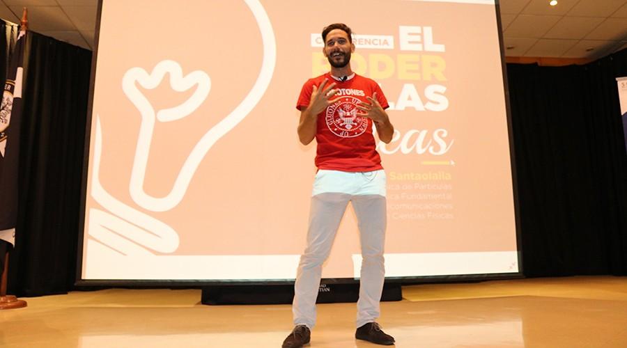 """Conferencia """"El poder de las ideas"""" fue dictada por Dr. Javier Santaolalla"""