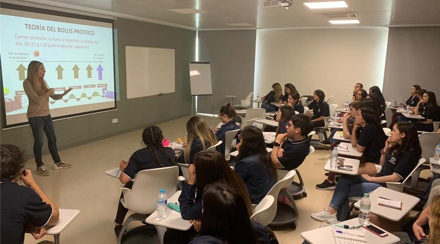Delegación USS participó en pasantía sobre nutrición deportiva en Barcelona