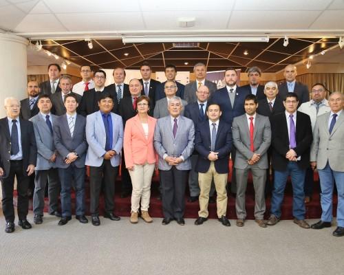Rector de Universidad de Antofagasta, junto a los encargados de deportes de universidades miembros de FENAUDE.