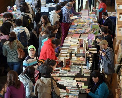 Este miércoles en la USS Valdivia comenzará la 5ta Feria del Libro que tiene como invitado principal a Alberto Fuguet.