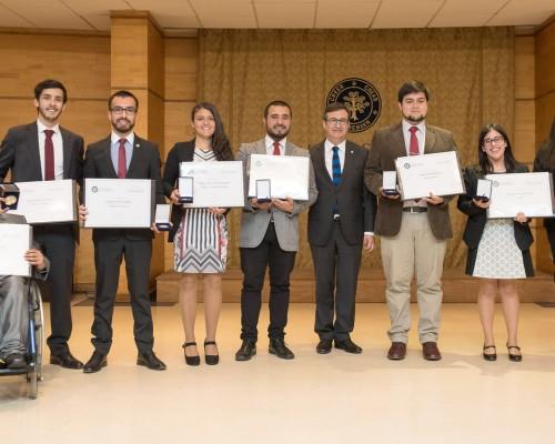 """Los alumnos reconocidos en la ceremonia Premio """"Espíritu Sebastiano 2017""""."""