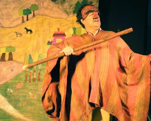 Numeroso público acompañó el estreno de la obra, en el Auditorio Marta Montory.