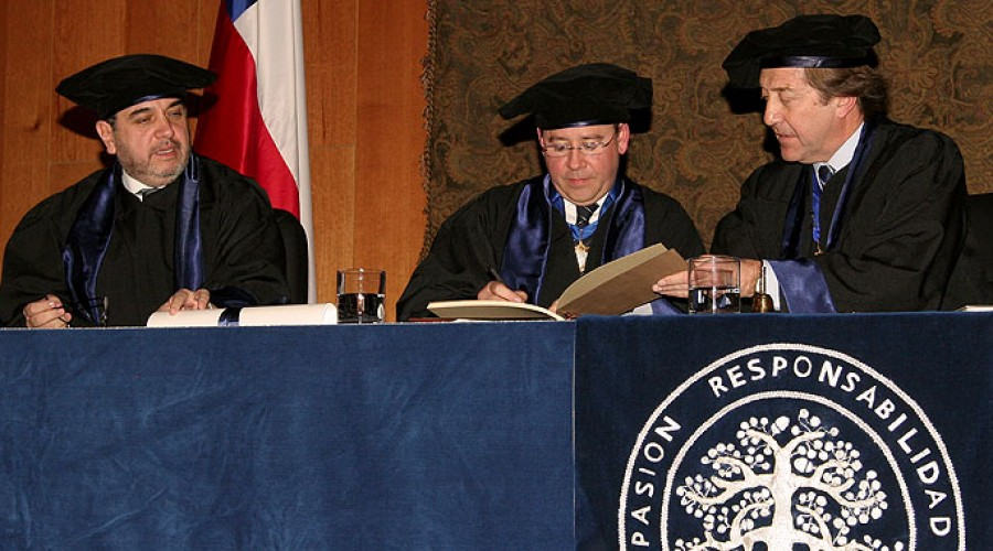 Mariano Sanz Alonso, Doctor Honoris Causa 2010.