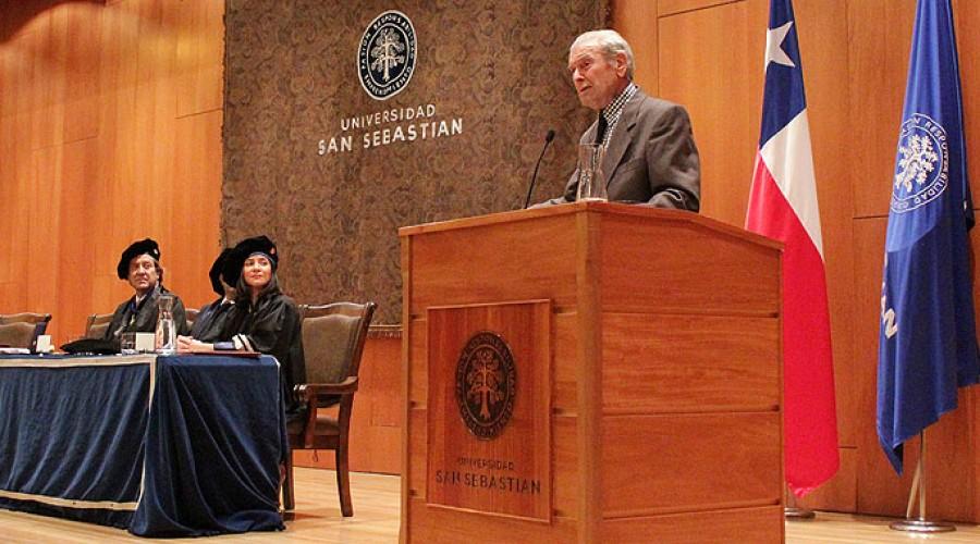 Fernando Castillo Velasco, Doctor Honoris Causa 2011.