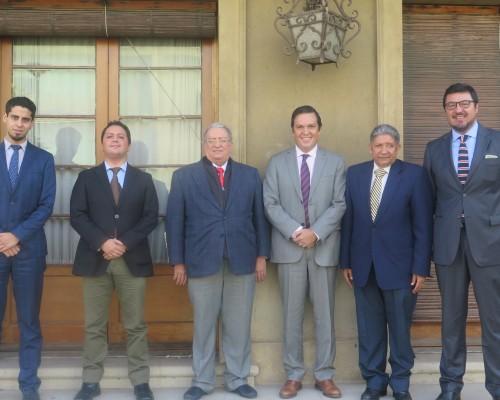 Autoridades de educación de R. Dominicana con el Vicerrector de Aseguramiento de la Calidad USS, Gonzalo Puentes