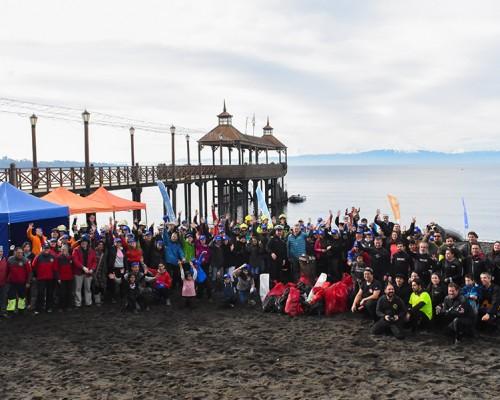 Limpieza de playa y fondo del lago Llanquihue reúne a centenares de voluntarios en Frutillar