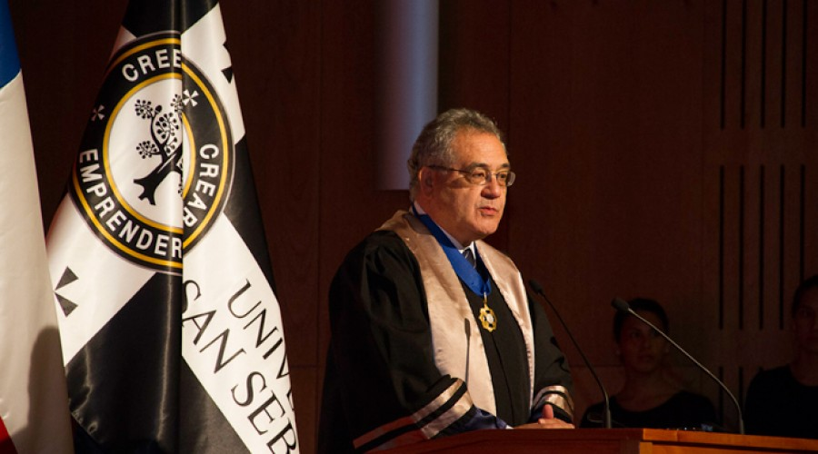 Carlos Massad Abud, Doctor Honoris Causa 2013.