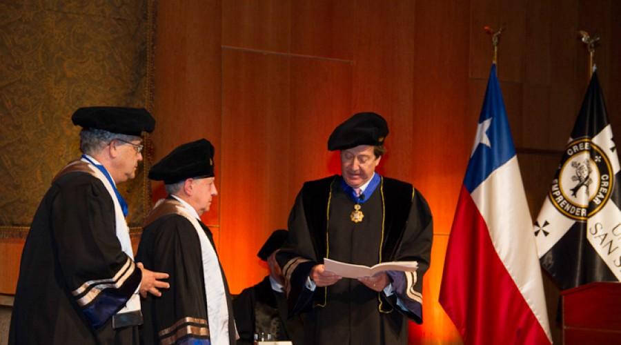 Carlos Massad Abud, Doctor Honoris Causa 2013.