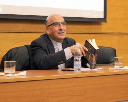 Monseñor Chomali realizó clase inaugural de Postgrado en Concepción