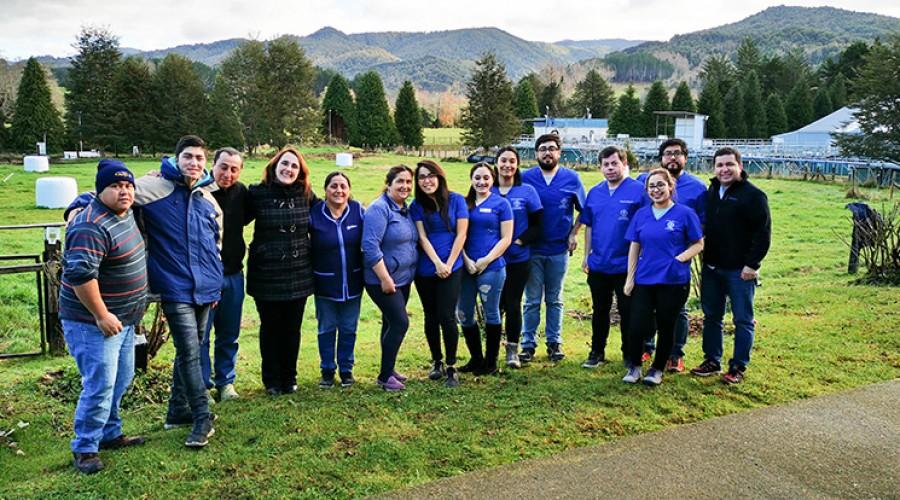 Estudiantes USS realizan operativo social en pisicultura de Salmones Camanchaca