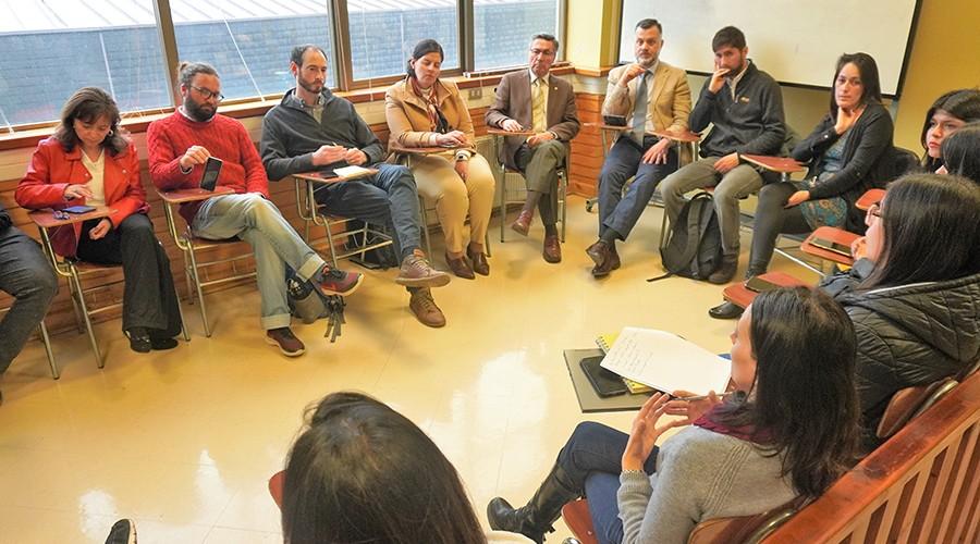 U. San Sebastián analiza problemas ambientales en el Lago Llanquihue