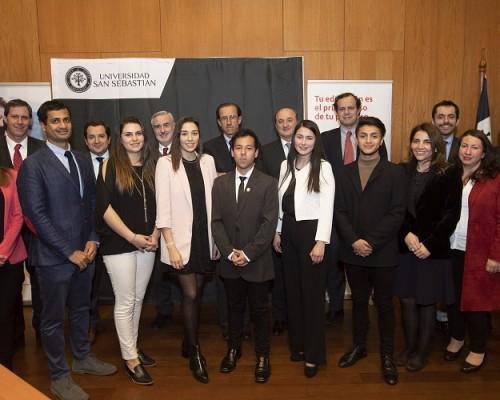 En total 5 estudiantes y 2 académicos de la USS cusarán estudios en universidades españolas, gracias a las becas Santander Iberoamérica.
