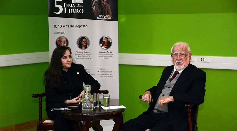 Sergio_Villalobos_Feria_Libro_USS_Valdivia