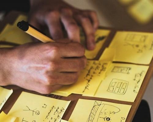 Los estudiantes desplegaron toda su creatividad en cada desafío.