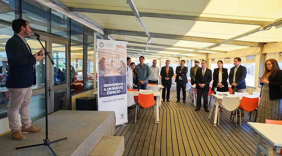U. San Sebastián cuenta con nueva terraza techada en Puerto Montt