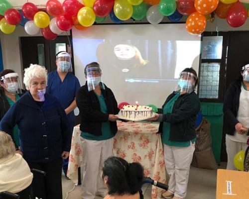 USS Concepción celebró cumpleaños de residentes en Villa Giacaman del Hogar de Cristo