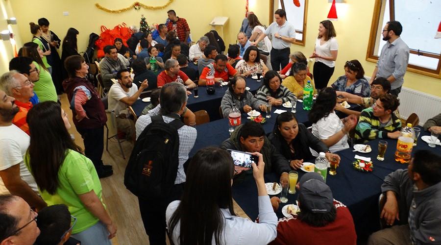 La USS realizó una cena navideña para personas en situación de calle