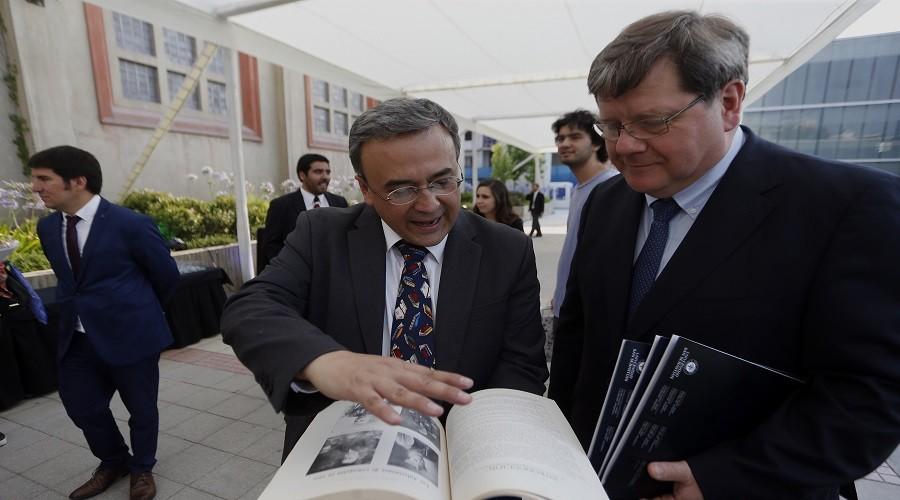 Presentacion del Libro: Historia de Chile 1960-2016