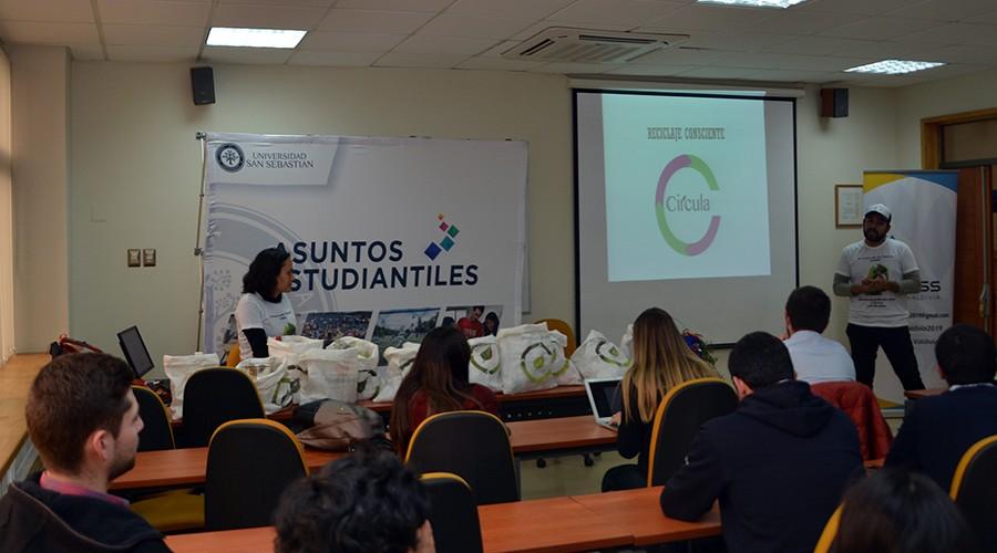 USS Valdivia promueve el reciclaje en sus estudiantes