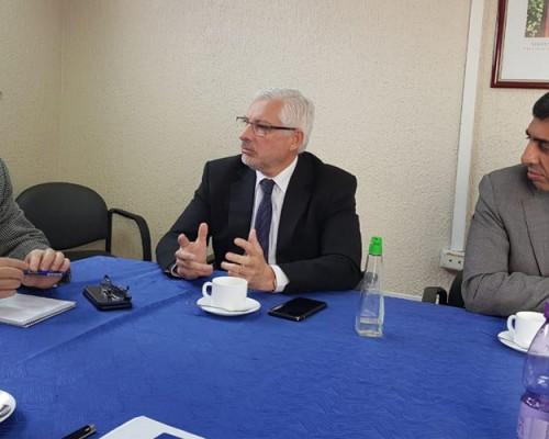 Vicerrector Fernando Quiroga se reunión con Carlos Grant, director del Servicio de Salud Concepción.