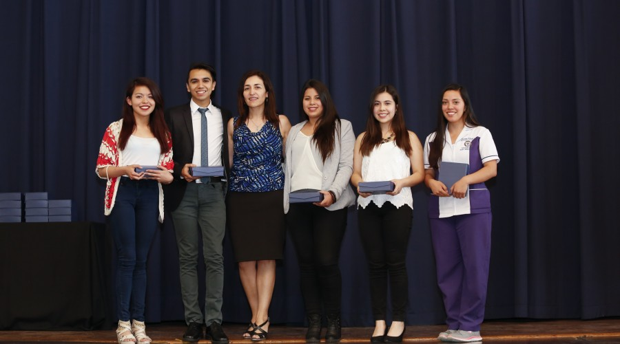 becas-excelencia-academica-013
