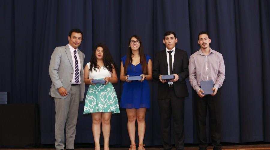 becas-excelencia-academica-015