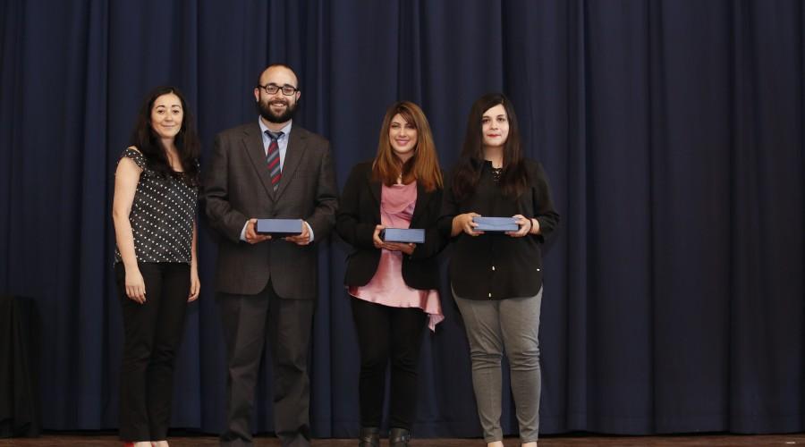 becas-excelencia-academica-016