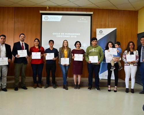 En total fueron 98 estudiantes que se certificaron en 2018 en los programas de la Escuela de Liderazgo.