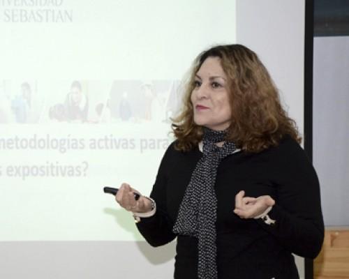 Ana María Palomino, coordinadora de Formación Docente en Valdivia estuvo a cargo del taller