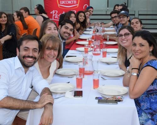 Con Tallarinata motivan a los 250 estudiantes que participarán en los Trabajos Voluntarios de Verano en la Quinta Región