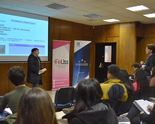 La charla fue dirigida por Boris Paredes, abogado y especialista en temáticas de género.